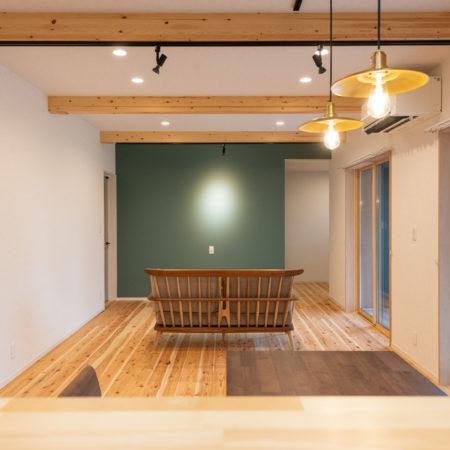 2つの土間空間を取り入れた暮らし易さを考えた平屋