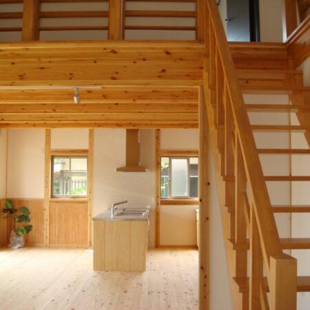 木の温かみが心地よい。深呼吸したくなる家