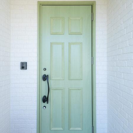 「緑」が大好きな夫婦が暮らす「緑」に囲まれた家